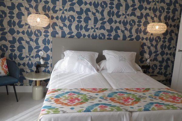 dormitorio-suite-hostal-boutique-puerta-de-nerja (3)